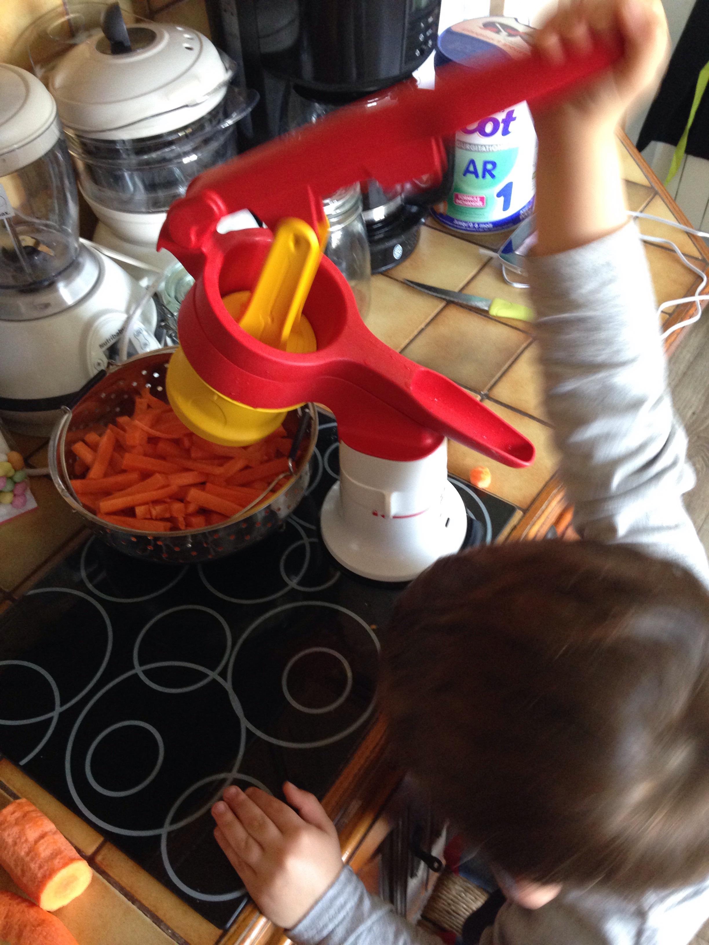 la cuisine des kids avec l adapta chef de tupperware. Black Bedroom Furniture Sets. Home Design Ideas